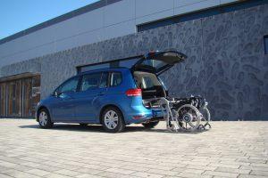 Der SCOOTERBOY für die Verladung schwererer Rollstühle und Scooter im Kofferraum