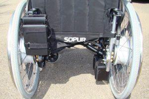 Geteilter Akku für den Rollstuhl e-fix e20/e25 für einfachere Verladung