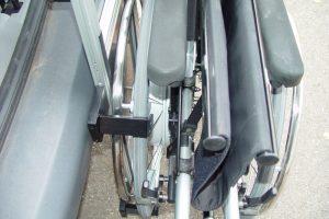Rollstuhlverladesystem LADEBOY Kofferraum mit Sonderhalterung für die Verladung von e-motion Rollstühlen