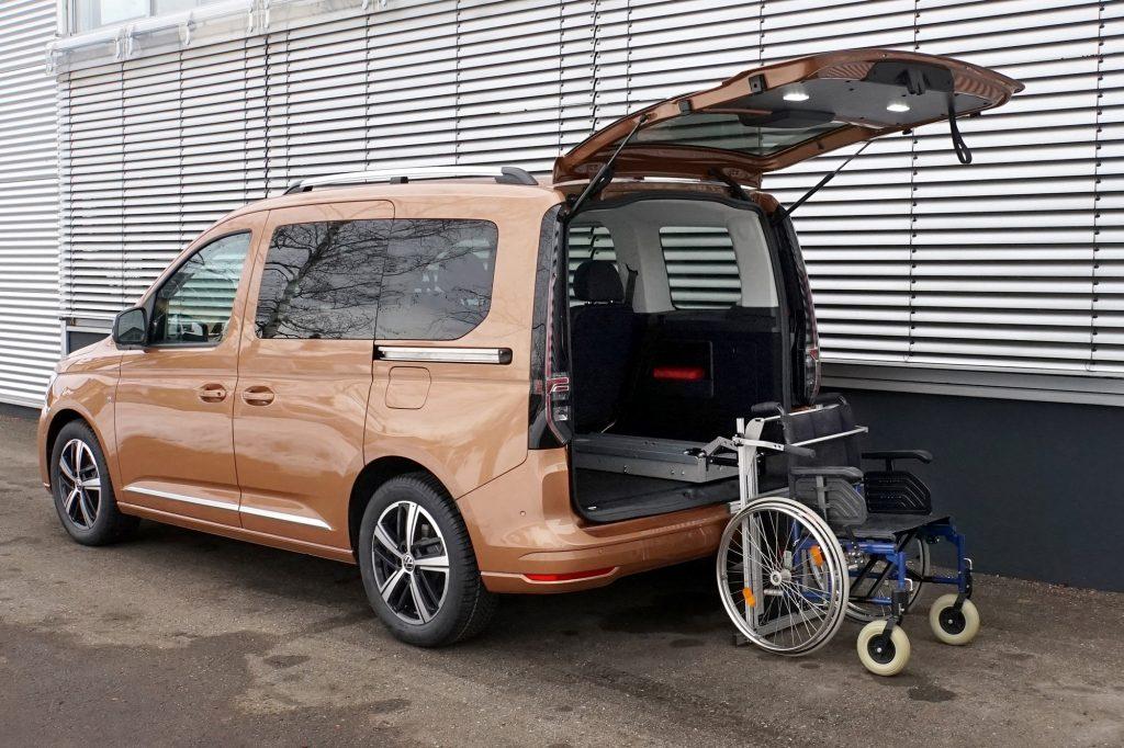 Rollstuhlverladesystem LADEBOY Kofferraum für ungefaltete Rollstühle