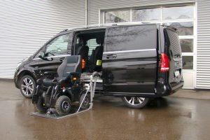 Das Rollstuhlverladesystem SCOOTERBOY in einem Van seitlicher Einbau