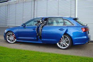 Audi A6 Avant mit Rollstuhlverladesystem LADEBOY S2