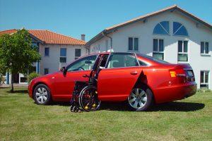 Audi A6 mit Rollstuhlverladesystem LADEBOY S2