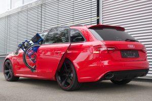Audi RS4 mit Rollstuhlverladesystem LADEBOY S2