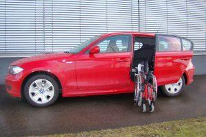 BMW 1er mit Rollstuhlverladesystem LADEBOY S2
