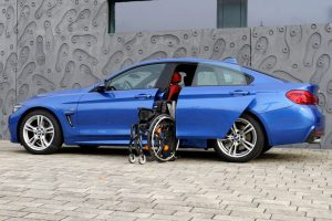 BMW 4er Gran Coupé mit Rollstuhlverladesystem LADEBOY S2