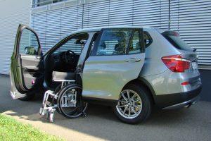 BMW X3 mit Rollstuhlverladesystem LADEBOY S2