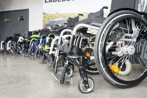 Große Auswahl an Rollstühlen mit und ohne Elektroantrieb