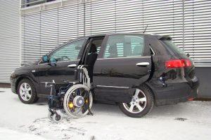 Fiat Croma mit Rollstuhlverladesystem LADEBOY S2