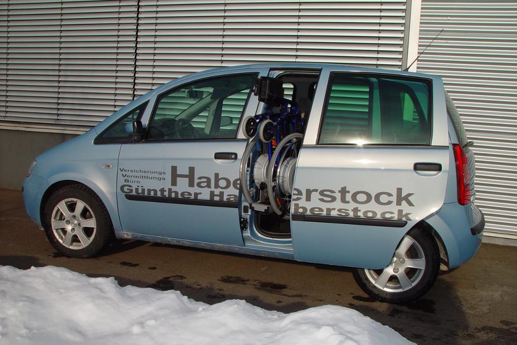 Fiat Idea mit Rollstuhlverladesystem LADEBOY S2
