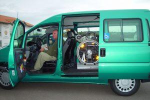 Fiat Scudo mit Rollstuhlverladesystem LADEBOY S2