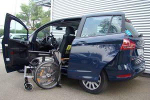 Ford B-Max mit Rollstuhlverladesystem LADEBOY S2
