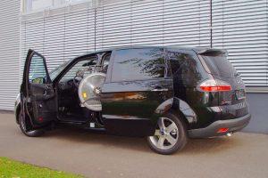 Ford S-Max mit Rollstuhlverladesystem LADEBOY S2