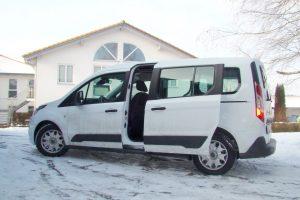Ford Tourneo Connect mit Rollstuhlverladesystem LADEBOY S2
