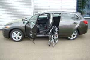 Hyundai Accord Tourer mit Rollstuhlverladesystem LADEBOY S2
