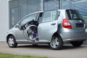 Honda Jazz mit Rollstuhlverladesystem LADEBOY S2