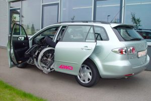 Mazda 6 mit Rollstuhlverladesystem LADEBOY S2