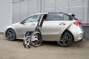 Mercedes A-Klasse mit Rollstuhlverladesystem LADEBOY S2