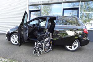 Mercedes B-Klasse mit Rollstuhlverladesystem LADEBOY S2