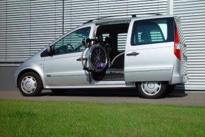 Mercedes Vaneo mit Rollstuhlverladesystem LADEBOY S2
