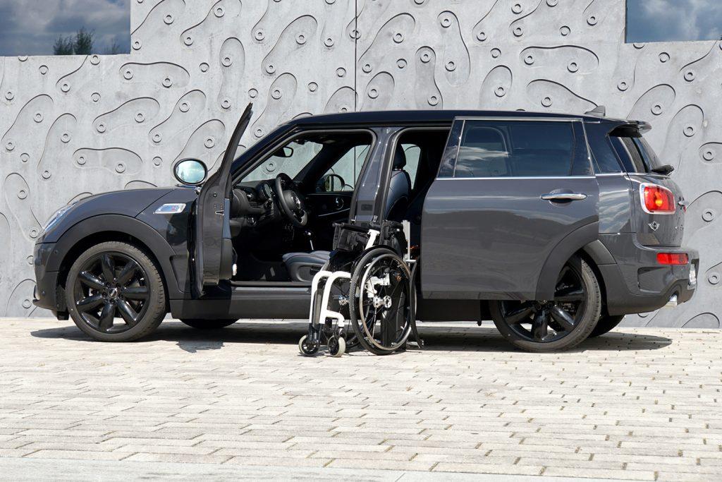 Mini Clubman mit Rollstuhlverladesystem LADEBOY S2