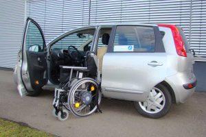 Nissan Note mit Rollstuhlverladesystem LADEBOY S2