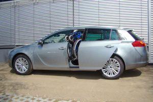 Opel Insignia Sport Tourer mit Rollstuhlverladesystem LADEBOY S2