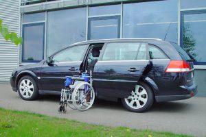 Opel Vectra mit Rollstuhlverladesystem LADEBOY S2