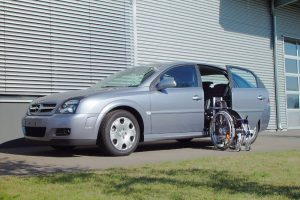 Opel Vectra GTS mit Rollstuhlverladesystem LADEBOY S2