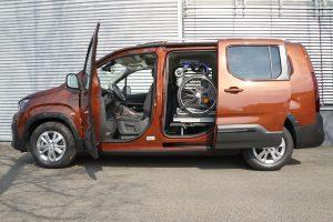 Peugeot Rifter mit Rollstuhlverladesystem LADEBOY S2