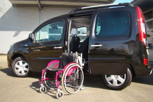 Renault Kangoo mit Rollstuhlverladesystem LADEBOY S2