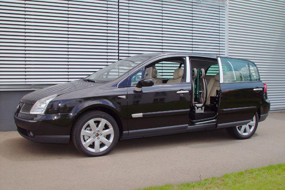 Renault Velsatis mit Rollstuhlverladesystem LADEBOY S2