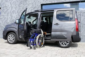 Citroen Berlingo mit Rollstuhlverladesystem LADEBOY S2