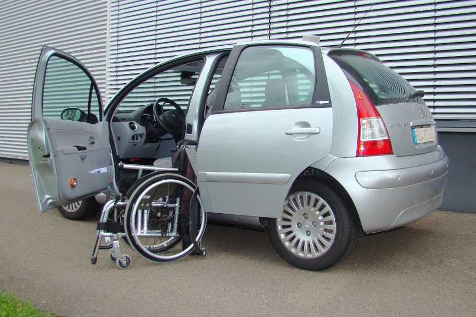 Citroen C3 mit Rollstuhlverladesystem LADEBOY S2