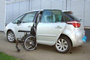 Citroen C4 mit Rollstuhlverladesystem LADEBOY S2