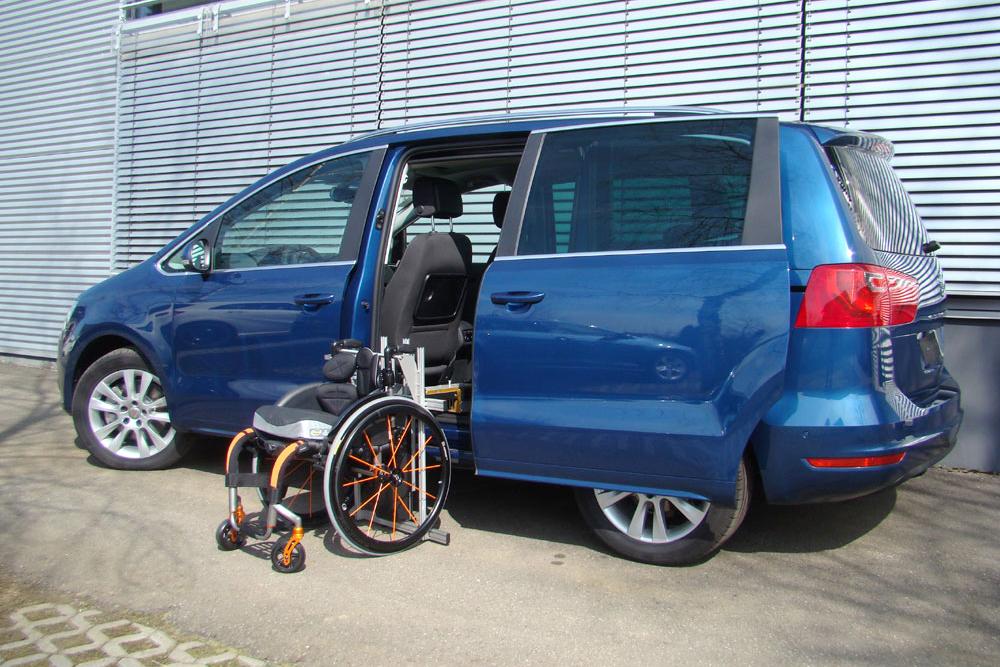 Seat Alhambra mit Rollstuhlverladesystem LADEBOY S2