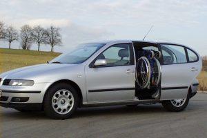 Seat Leon mit Rollstuhlverladesystem LADEBOY S2