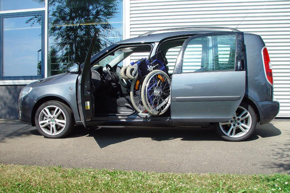 Skoda Roomster mit Rollstuhlverladesystem LADEBOY S2