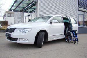 Skoda Superb Kombi mit Rollstuhlverladesystem LADEBOY S2