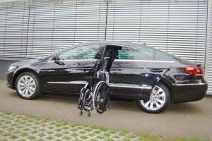 Volkswagen Passat mit Rollstuhlverladesystem LADEBOY S2
