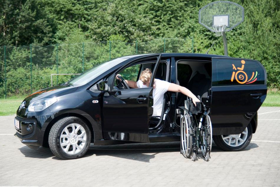 Volkswagen Up mit Rollstuhlverladesystem LADEBOY S2